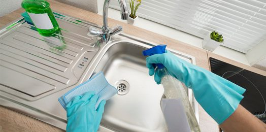 Bond Cleaning: How to Clean the Kitchen Sink